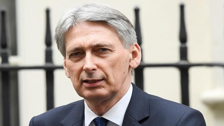 صنداي تايمز: وزراء بريطانيون يريدون هاموند رئيسا انتقاليا للحكومة
