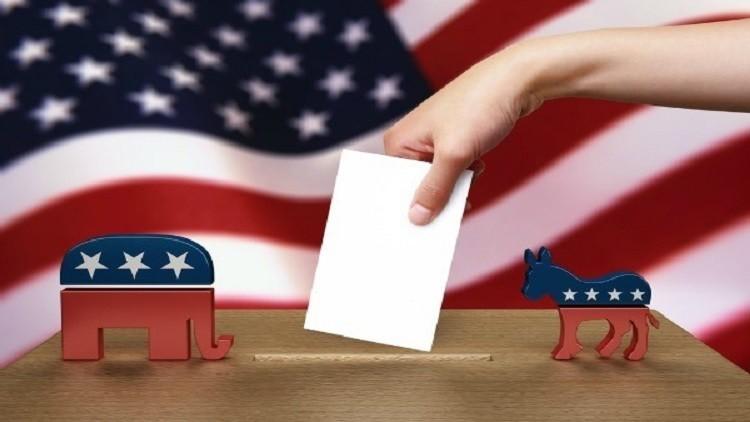الجدل بشأن الكرملين قد يودي بالديمقراطيين إلى الهزيمة