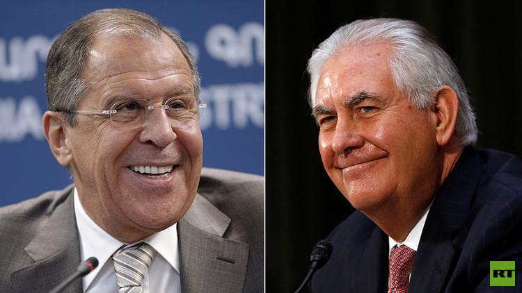 لافروف وتيلرسون يبحثان سبل تسوية الأزمة السورية
