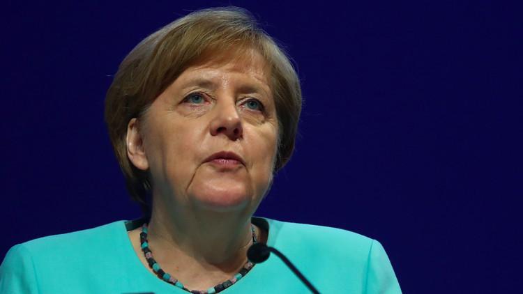 هجمات عنيفة على ميركل تشعل الحملة الانتخابية في ألمانيا