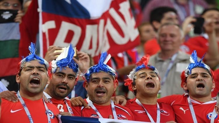لافتة طريفة من مشجع تشيلي في كأس القارات..