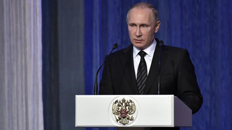 بوتين يتهم الاستخبارات الأجنبية بمحاولة زعزعة الاستقرار في روسيا