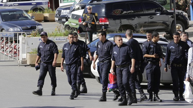 الجزائر: الحكم بالسجن على ستة أشخاص من الطائفة الأحمدية