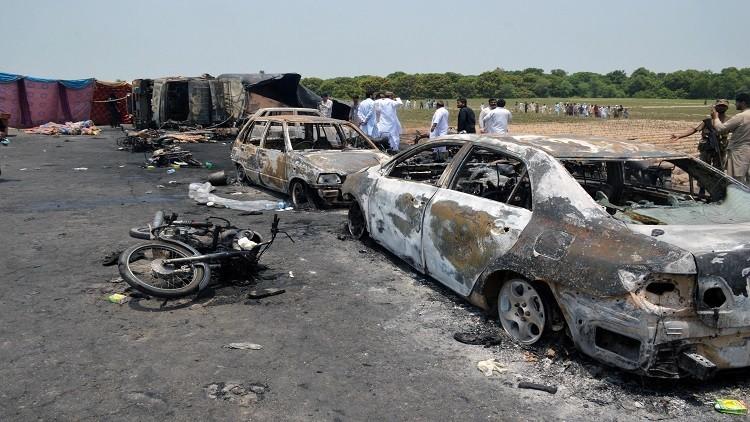 عدد ضحايا ناقلة الوقود في باكستان يرتفع إلى 173 شخصا