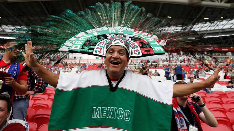 """مكسيكي يقوم """"بمقلب طريف"""" مع زوجته ليحضر كأس القارات"""