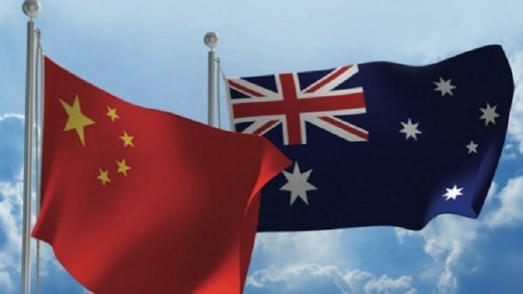 في الولايات المتحدة يؤججون الرهاب من روسيا وفي أستراليا من الصين