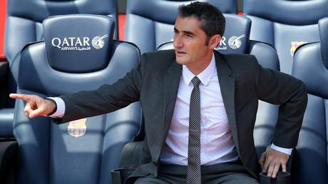 رسميا.. برشلونة يقدم مدربه الجديد