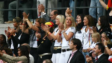 زوجات وصديقات المنتخب الألماني في المونديال
