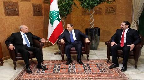 ميشال عون وسعد الحريري ونبيه بري في القصر الرئاسي في بعبدا، 18 ديسمبر 2016