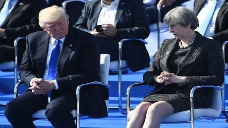 دونالد ترامب وتيريزا ماي، بروكسل 25 مايو 2017