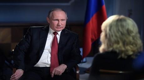 فلاديمير بوتين أثناء مقابلة مع قناة NBC