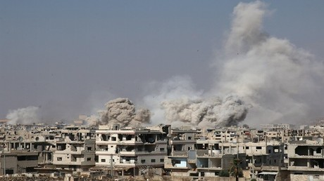 دخان متصاعد جراء قصف درعا، 4/06/2017