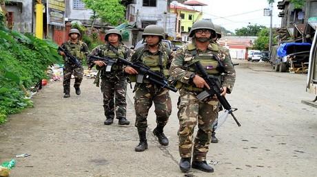 دورية مشتركة  للجيش والشرطة الفلبينيين في ماراوي، يونيو 2017