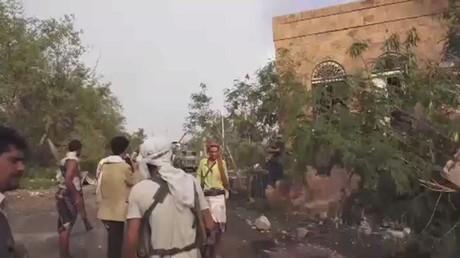 قوات هادي تمشط منطقة القصر الجمهوري بتعز