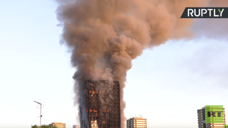 حريق هائل في برج مكون من 27 طابقا غربي لندن