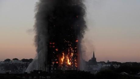 حريق ضخم يلتهم برج غرينفل السكني في منطقة