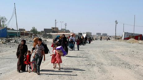 مدنيون فارون من المعارك في الموصل