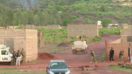 """عملية أمنية ضد إرهابيين هاجموا منتجع """"مخيم كنغابا"""" بالقرب من عاصمة مالي باماكو، 18 يونيو 2017"""
