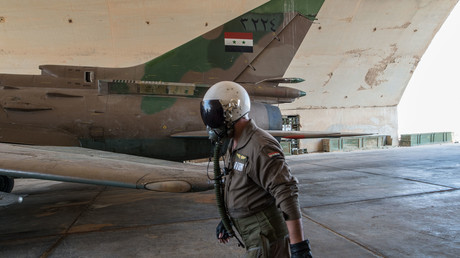 """طائرة """"سو-22"""" تابعة لسلاح الجو السوري"""