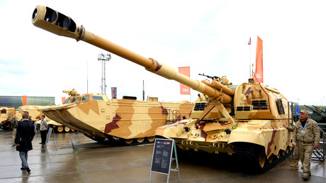 """معدات عسكرية روسية في معرض أسلحة لشركة """"روس أوبورون إكسبورت"""""""