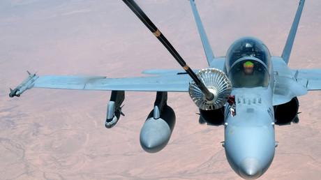 """طائرة """"إف-18"""" تابعة لسلاح الجو الأمريكي"""