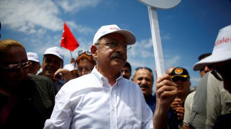 قليجدار أوغلو، زعيم حزب الشعب الجمهوري المعارض في تركيا