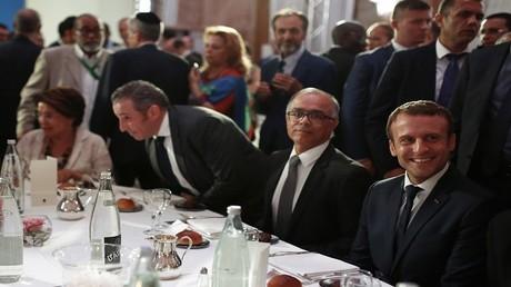 ماكرون خلال مشاركته في حفل الإفطار السنوي للمجلس الفرنسي للديانة الإسلامية