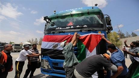 مصر تساهم في إنارة قطاع غزة
