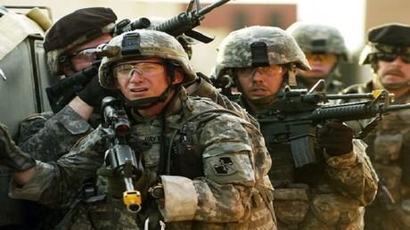 خبير عن نشر قوات أمريكية في أوكرانيا: هذه أنباء من مستشفى المجانين