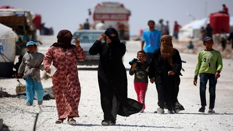 نازحون سوريون في مخيم