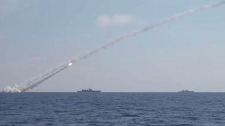 ضربات صاروخية روسية ضد مواقع داعش بسوريا