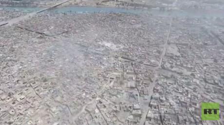 طائرة دون طيار تصور حطام مئذنة الحدباء وجامع النوري غرب الموصل