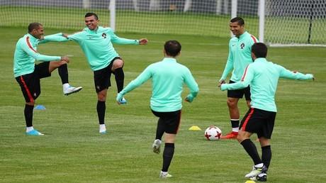 ضربة موجعة للبرتغال قبل مواجهة تشيلي
