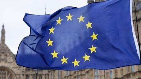 بروكسل تمدد عقوباتها ضد روسيا وموسكو تقول إنها ستأتي بنتائج عكسية