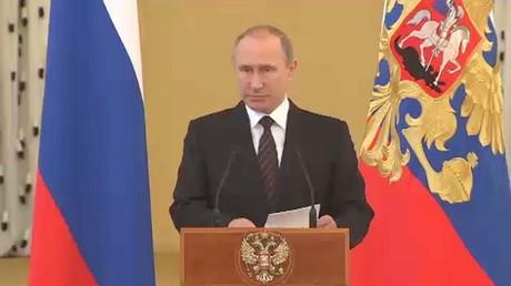 بوتين: نواصل تعزيز قدراتنا العسكرية