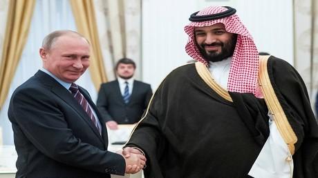 بوتين ومحمد بن سلمان خلال اجتماع في الكرملين في موسكو، روسيا، 30 مايو 2017