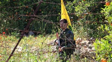 عنصر من حزب الله