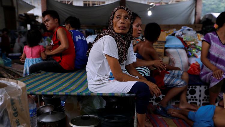 الفلبين.. نزوح 400 ألف شخص من مدينة يسيطر عليها أنصار