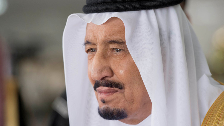 الملك سلمان يوجه بمحاسبة صحيفة مست بـ