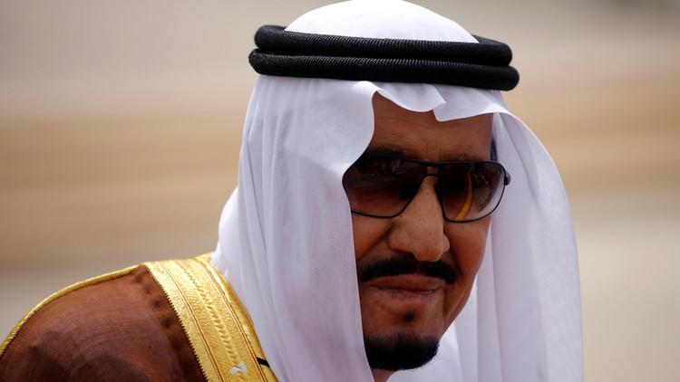 السعودية تنفي الأنباء عن زيارة الملك سلمان إلى تبوك لرفع علم المملكة فوق تيران وصنافير