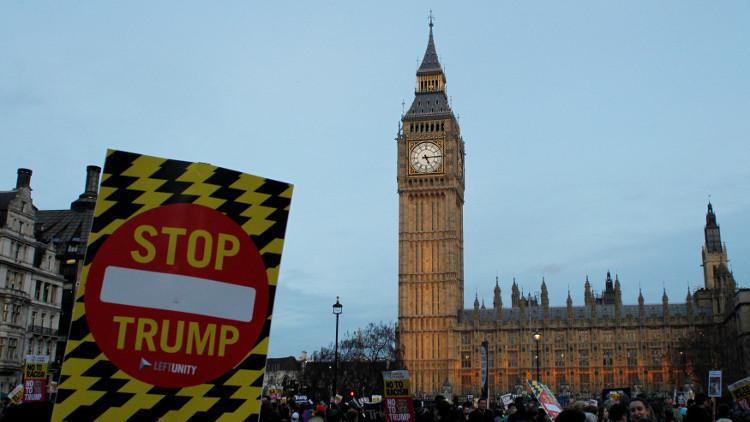 مسؤولون ومحتجون بريطانيون  ضد زيارة ترامب