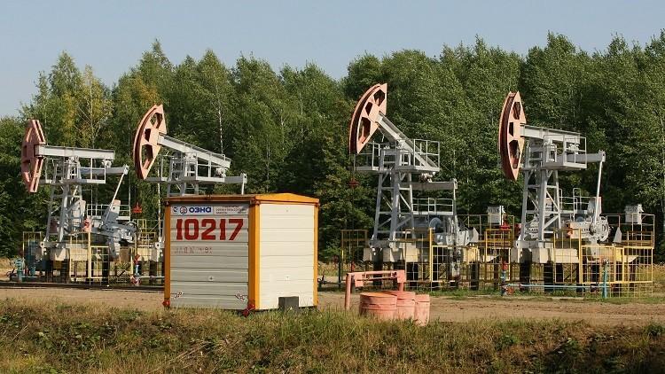 النفط يتراجع قبيل عطلة عيد الاستقلال في أمريكا