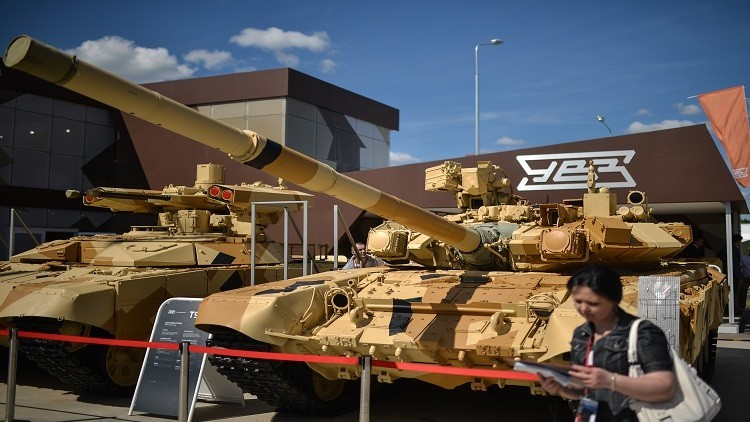 روسيا بصدد تجميع دبابات في مصر