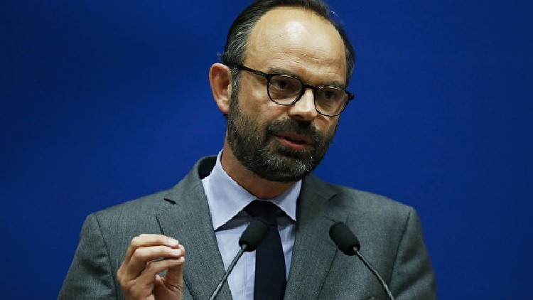 باريس تتخذ التدابير لرفع حالة الطوارئ في البلاد