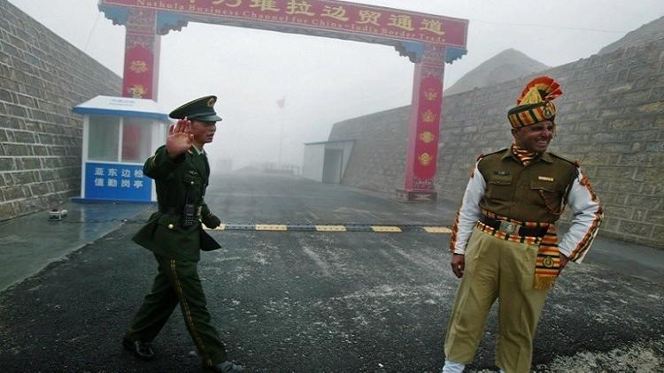 الصين تطالب الهند بسحب جنودها من منطقة حدودية متنازع عليها