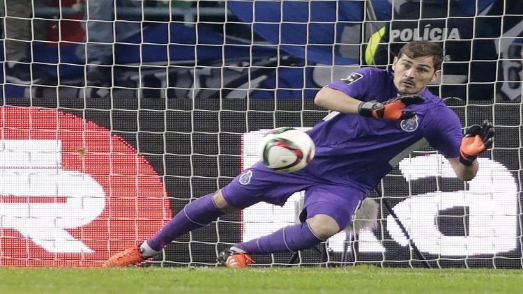 كاسياس يمدد عقده مع بورتو البرتغالي موسما إضافيا
