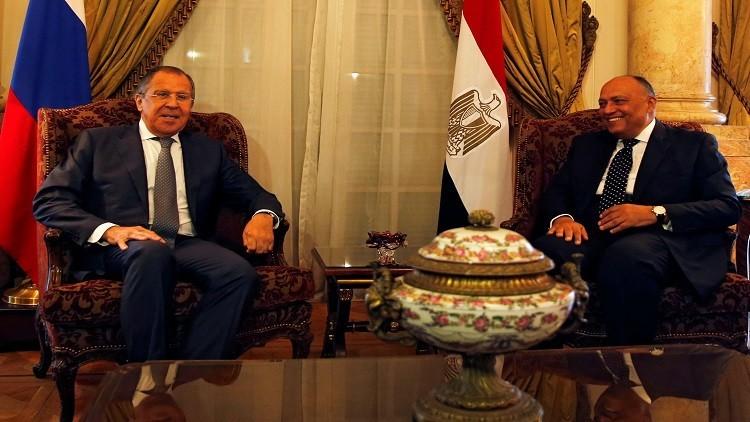 شكري يطلع لافروف على اجتماع الدول المقاطعة لقطر