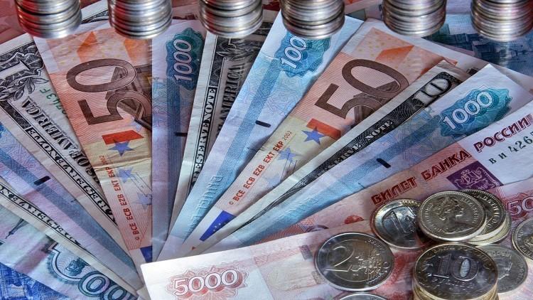 اليورو 69 روبلا لأول مرة منذ نوفمبر