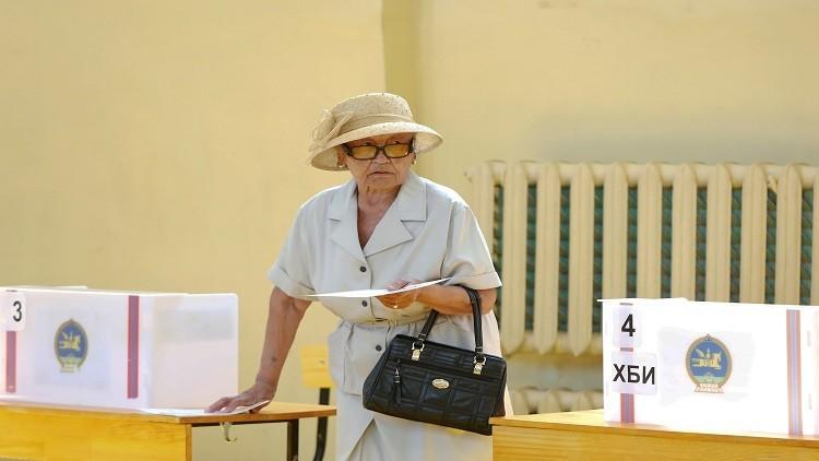 المشاركة بالجولة الثانية  بالانتخابات الرئاسية بمنغوليا أكثر من 60%