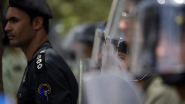 الأمن الإيراني يلقي القبض على 21